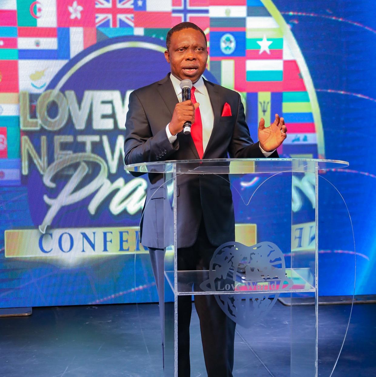 EFFUSIVE PRAYER #loveworldnetworksprayerconferen