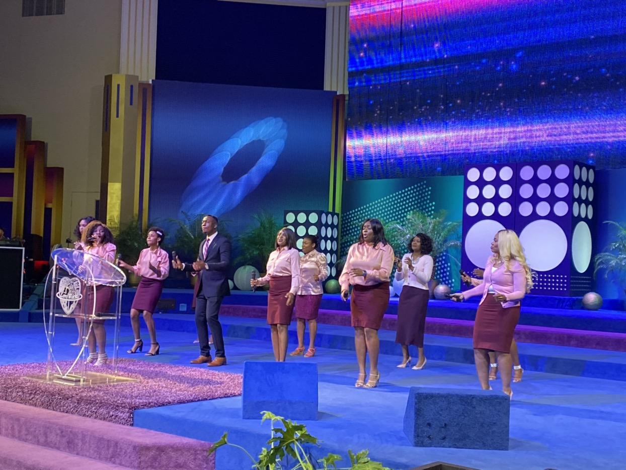 ✨HAPPENING NOW✨ Sunday Service in