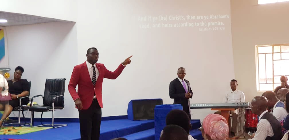 GALLERY OF INFLUENCERS #SundayService with